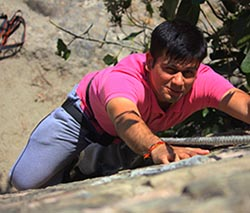 ROCK CLIMBING in Jim Corbett